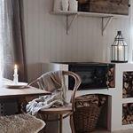 En liten glimt fr?n @sandrashem Ett s? himla fint konto, inredning (som hon ?r helgrym p?) delar hon g?rna med sig av! Stolar som dessa fr?n oss, gjorde sig helt fantastiskt med resterande... ~ ~ ~ #trendrum #interiordesign #interior #kitchen #inredning #furniture #design #scandinaviandesign #home #homeinspo #inspiration #interior123 #picoftheday #potd #beautiful #style #decoration #decor #kitcheninspo #sweden #swedish #beige #nature #nature #inredning #chair #white #k?k #fresh #dining #thonet