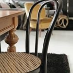 Hemma hos @ulrikasjoberg S? snyggt! Stolar fr?n @trendrum ~ ~ ~ #trendrum #interiordesign #interior #livingroom #inredning #furniture #design #scandinaviandesign #home #homeinspo #inspiration #interior123 #picoftheday #potd #beautiful #style #decoration #decor #livingroominspo #sweden #swedish #beige #nature #black #inredning #chair #white #fresh #dining